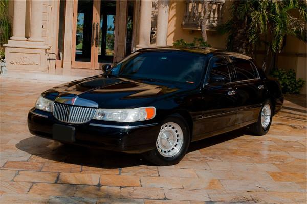Lincoln Black Lincoln Sedan Toledo
