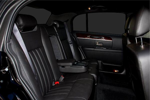 Lincoln Sedan Rental Toledo